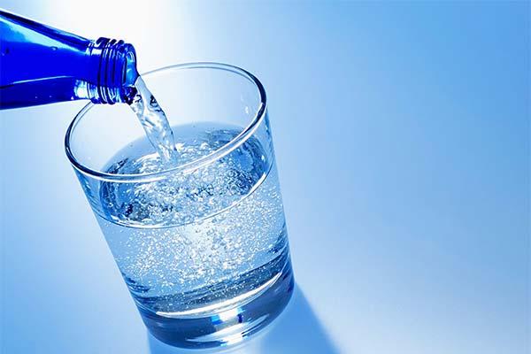 Сонник газована вода: до чого сниться і що означає сон про газовану воду