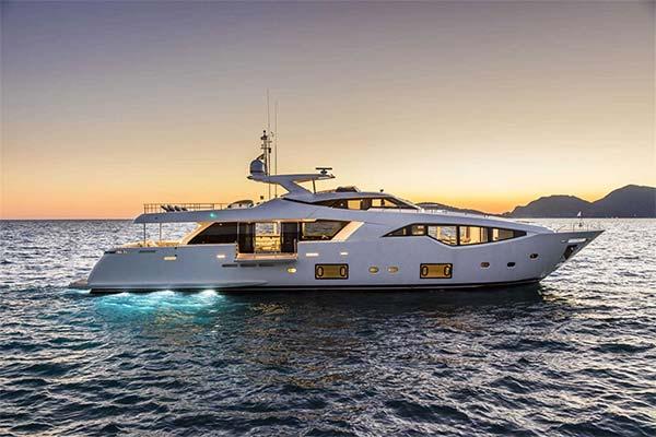 Сонник яхта: до чого сниться і що означає сон про яхту