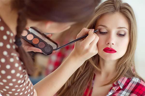Сонник макіяж: до чого сниться і що означає сон про макіяж