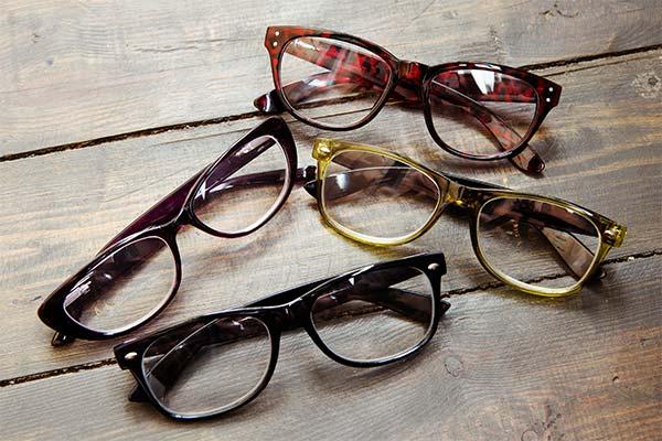Сонник окуляри: до чого сняться і що означають сни про окуляри