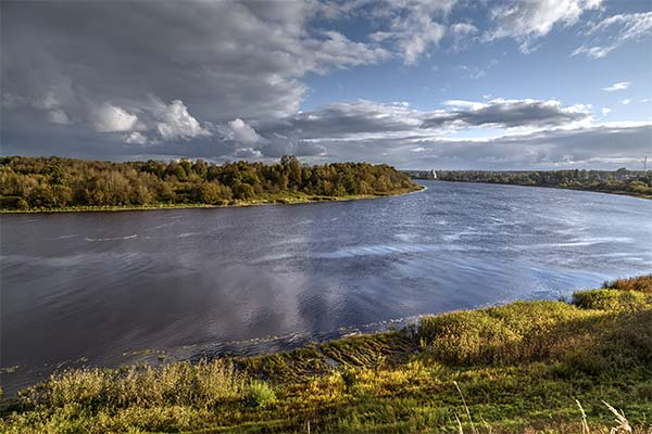 Сонник річка: до чого сниться і що означає сон про річку
