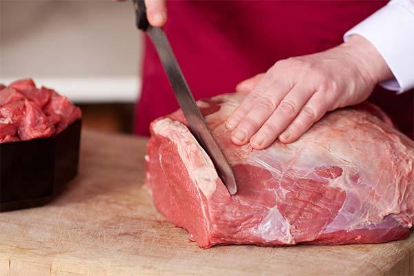 Сонник різати м'ясо: до чого сниться і що означає сон про оброблення м'яса
