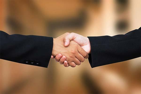 Сонник рукостискання: до чого сниться і що означає сон про рукостискання