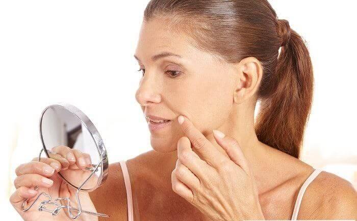 Як прибрати зморшки над верхньою губою