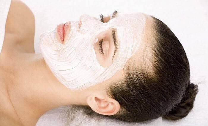 Ефективні маски для розгладження зморшок в домашніх умовах