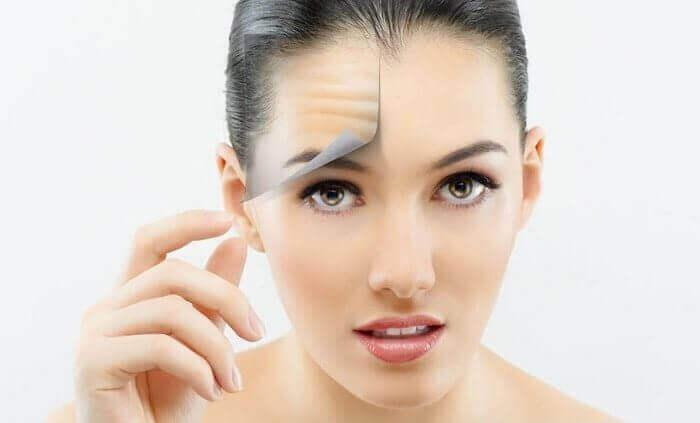 Як позбутися від мімічних зморшок на лобі?