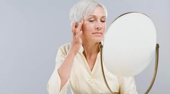 Як швидко прибрати зморшки на обличчі в домашніх умовах