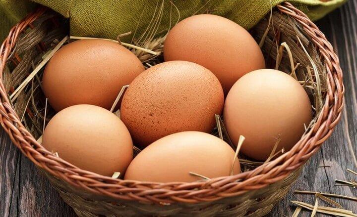 Чого в організмі не вистачає, якщо хочеться яєць?