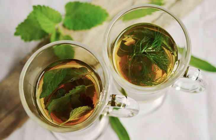 Медики розповіли, чим можуть бути небезпечні трав'яні чаї