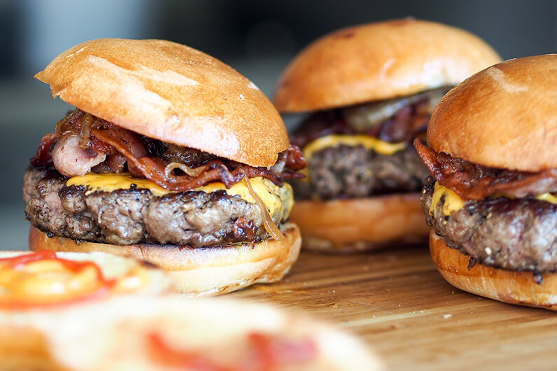 Хот-доги і гамбургери