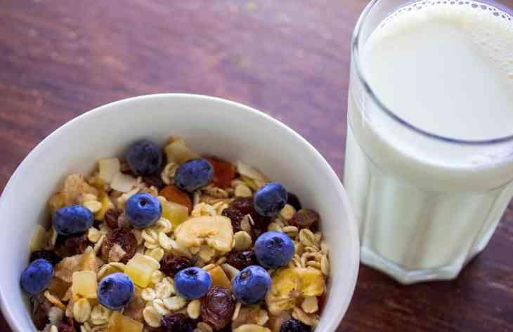 Як потрібно снідати, щоб впоратися з похміллям