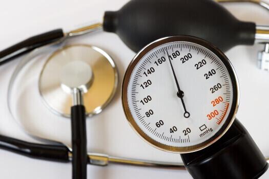 Чому скаче тиск: що робити
