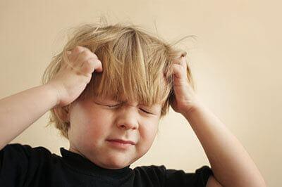 болить голова у дитини