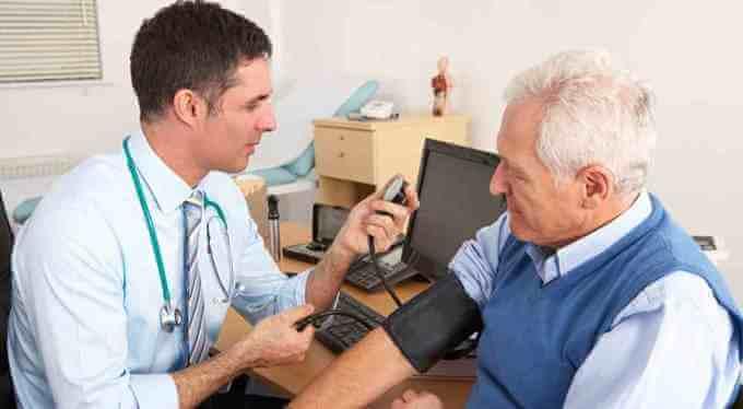 До якого лікаря потрібно звертатися при гіпертонії?