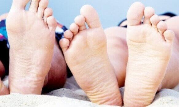 Тріщини на п'ятах - причини, лікування в домашніх умовах
