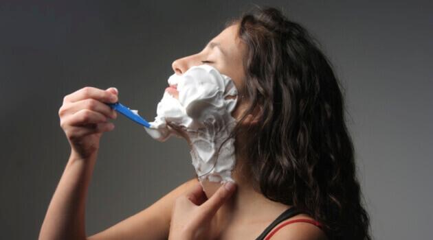 Видалення волосся з обличчя