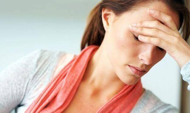 Лікуємо головний біль народними засобами