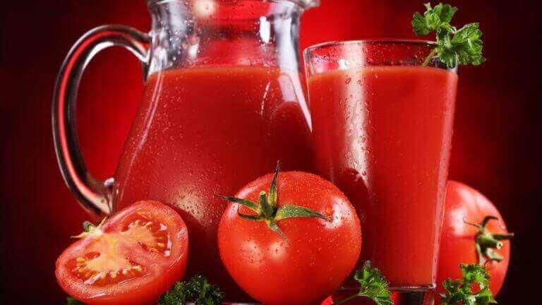 Помідори в томатному соку