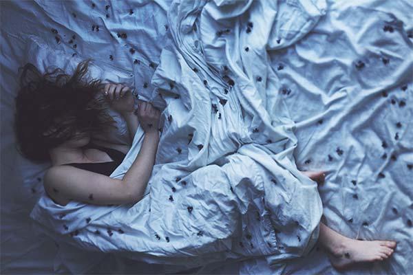Сни з вівторка на середу: що означають і збуваються вони?
