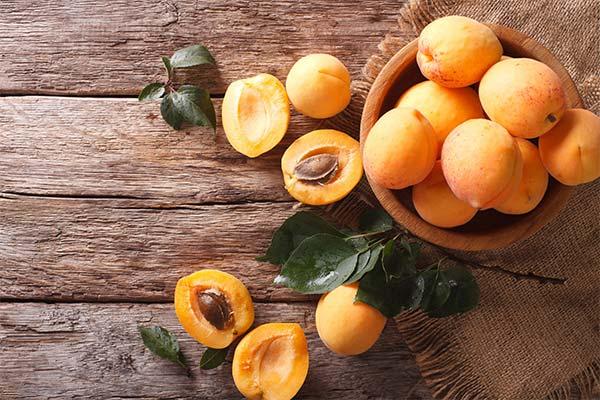 Сонник абрикоси: до чого сняться і що означають сни про абрикоси