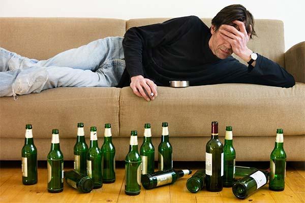 Сонник алкоголік: до чого сниться і що означає сон про алкаша