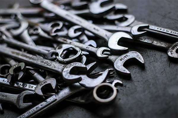 Сонник гайковий ключ: до чого сниться і що означає сон про гайковий ключ
