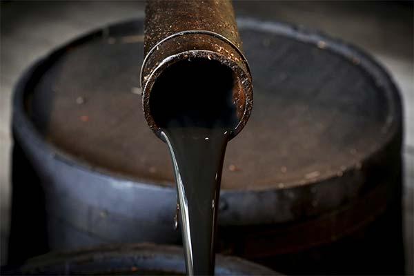 Сонник нафту: до чого сниться і що означає сон про нафту