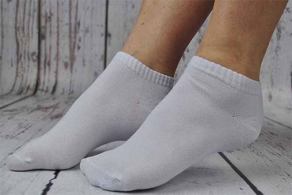 Сонник шкарпетки: до чого сняться і що означають сни про шкарпетки
