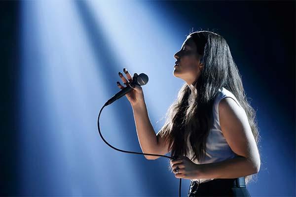 Сонник співачка: до чого сниться і що означає сон про співачку