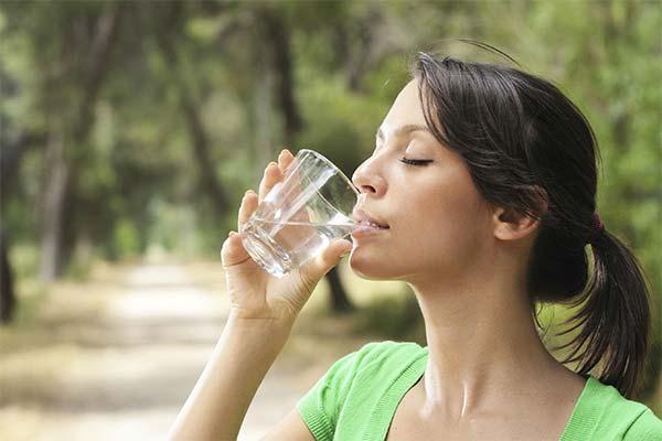 Сонник пити воду: до чого сниться і що означає сон пити воду