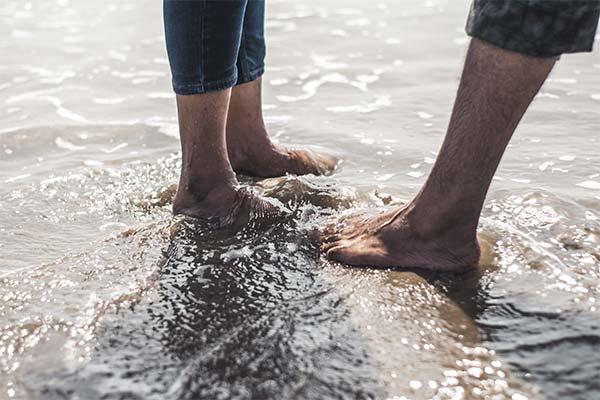 Сонник промочити ноги: до чого сниться і що означає сон про промочити ноги