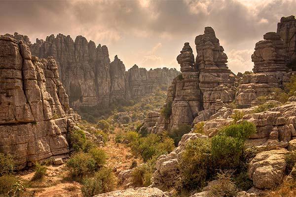 Сонник скелі: до чого сняться і що означають сни про скелі