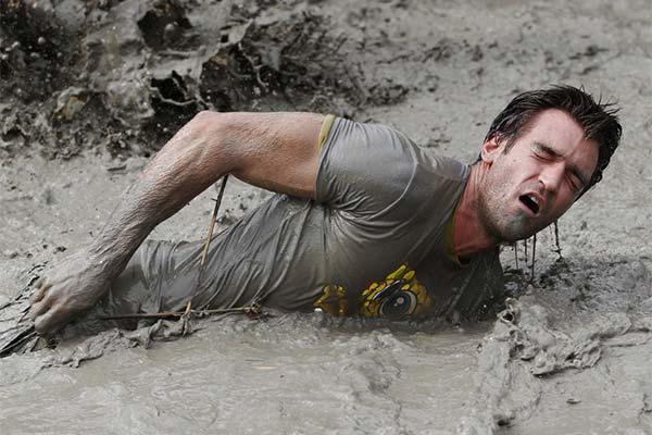Сонник впасти в бруд: до чого сниться і що означає сон про падіння в бруд