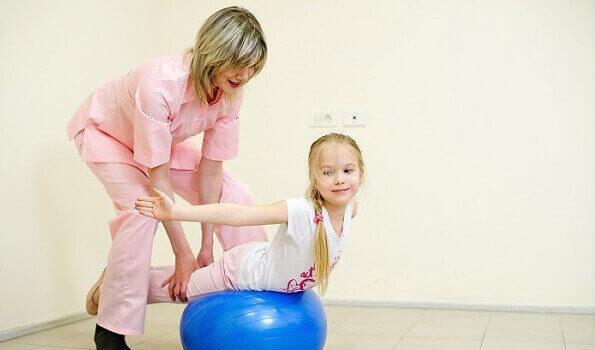 ЛФК при сколіозі у дітей