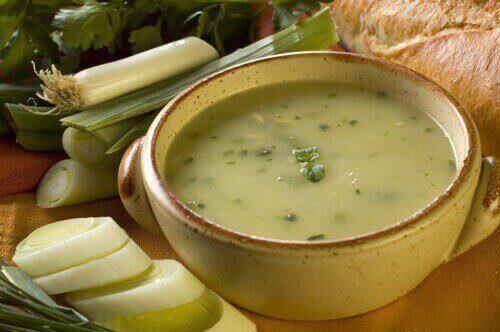 Цибульний суп - ефективно засіб проти остеопорозу