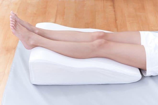 Як правильно лікувати набряки ніг при варикозі