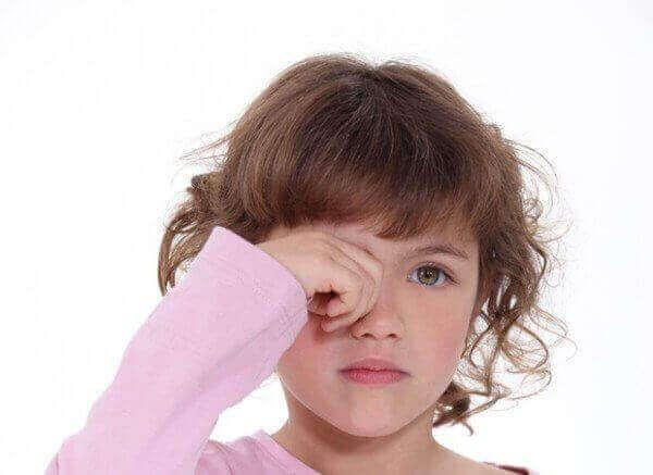 Як лікувати ячмінь у дитини?