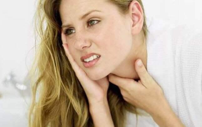 Основні причини, симптоми та лікування фарингіту