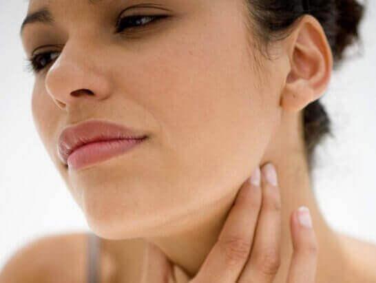Лікуємо біль у горлі вдома – легко та швидко
