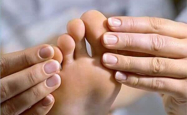 Подагра - симптоми, причини, лікування захворювання
