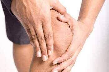 Чому відбувається розвиток хрускоту в коліні?
