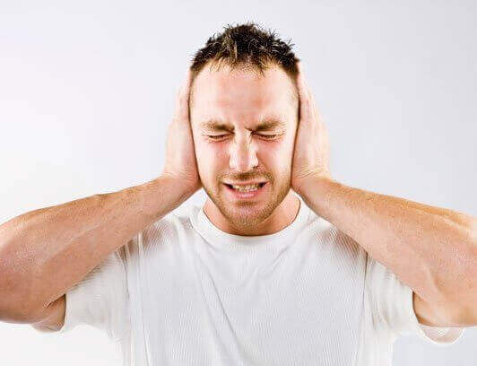 Шум у вухах і голові - причини, лікування, препарати